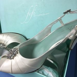 Shoes - Satin Wedding Shoes size 9 - NEW
